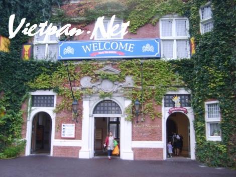 Khu vui chơi giải trí Huis Ten Bosch